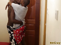 Amateur twinks babrebacking from africa